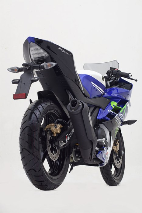 Yamaha-YZF-R15-Movistar-Edition-Photo-08