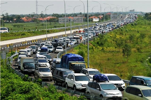 Kemacetan parah di Tol Brebes Timur. Foto: (Antara/Okezone)
