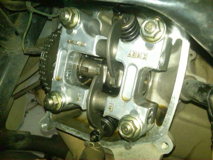 foto-dalaman-mesin-bersih-setelah-oli-mesin-ditambahi-minyak-goreng-4