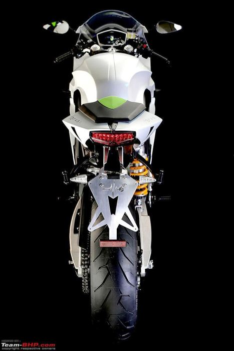 energica-ego-white-back