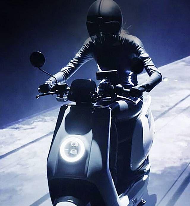 niu n1s motor listrik model skuter tapi harga lebih mahal. Black Bedroom Furniture Sets. Home Design Ideas