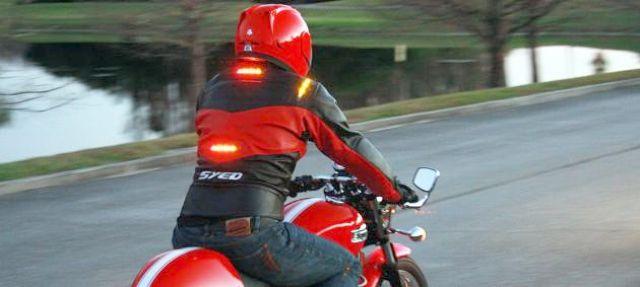 Di Belanda Ternyata Dilarang Pasangi Baju Dan Helm Dengan